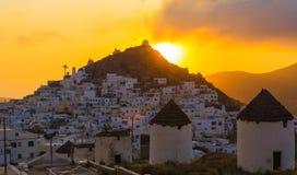 Ciudad de Chora, isla del IOS, Cícladas, egeas, Grecia fotos de archivo