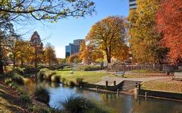 Ciudad de Christchurch y río de Avon en otoño fotos de archivo libres de regalías