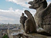 Ciudad de desatención de la gárgola de París Francia foto de archivo libre de regalías