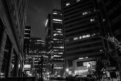 Ciudad de Edmonton en la noche imagen de archivo