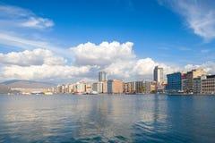 Ciudad de Esmirna, Turquía Opinión costera moderna de la ciudad Imagen de archivo libre de regalías