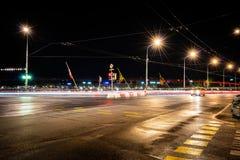 Ciudad de Europa en la noche foto de archivo