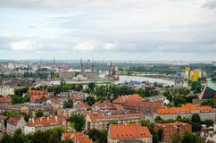 Ciudad de Gdansk en Polonia, visión aérea sobre la ciudad y el puerto viejos foto de archivo libre de regalías