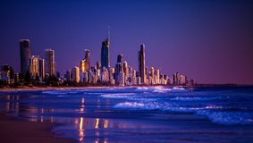 Ciudad de Gold Coast en la salida del sol Imagen de archivo