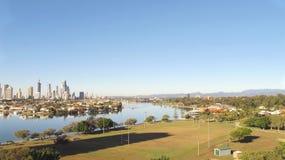 Ciudad de Gold Coast, río de Nerang e Hinterland Imágenes de archivo libres de regalías