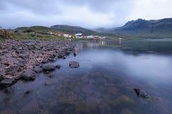 Ciudad de Grundarfjordur en Islandia fotos de archivo libres de regalías