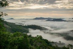 Ciudad de Hatyai en la niebla Imagenes de archivo