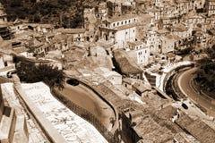 Ciudad de Italia vieja, Ragusa, Sicilia Imagen de archivo libre de regalías