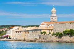 Ciudad de Krk, mediterránea, Croacia, Europa Imágenes de archivo libres de regalías