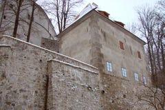 Ciudad de Krumlov Paisajes de la República Checa de la naturaleza checa del invierno y de un panorama de la ciudad checa medieval Fotos de archivo libres de regalías