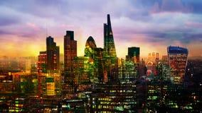 Ciudad de la aria de Londres, del negocio y de las actividades bancarias Panorama del ` s de Londres en sistema del sol Visión de almacen de video