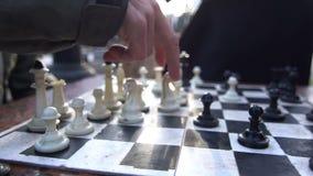 Ciudad de la calle del juego del ajedrez almacen de metraje de vídeo