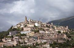 Ciudad de la colina en Umbría Foto de archivo