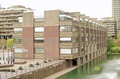 Ciudad de la escuela de Londres para las muchachas fotos de archivo libres de regalías