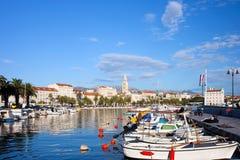 Ciudad de la fractura en Croatia Foto de archivo