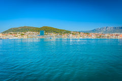 Ciudad de la fractura en verano, Croacia Imagenes de archivo