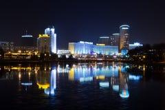 Ciudad de la noche Fotos de archivo libres de regalías