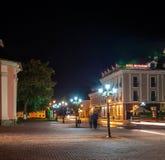Ciudad de la noche. Ciudad histórica de Kamyanets-Podolsky del distrito. Fotos de archivo libres de regalías
