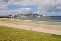 Ciudad de la playa de Kilkee en Irlanda fotografía de archivo libre de regalías