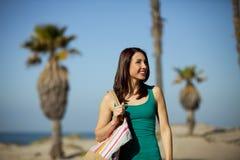 Ciudad de la playa de la mujer Fotos de archivo