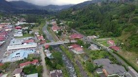 Ciudad de la provincia de Panamá rodeada por los árboles almacen de metraje de vídeo
