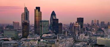 Ciudad de Londres en el crepúsculo Imágenes de archivo libres de regalías