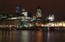 Ciudad de Londres en la noche Foto de archivo