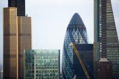 Ciudad de Londres en la puesta del sol Ciudad famosa de los rascacielos del negocio de Londres y de la opinión de la aria de las  Imagenes de archivo