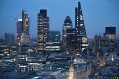 Ciudad de Londres en la puesta del sol Ciudad famosa de los rascacielos del negocio de Londres y de la opinión de la aria de las  Fotos de archivo libres de regalías