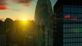 Ciudad de Londres, de la visi?n a?rea y de la salida del sol hermosa almacen de video