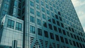 Ciudad de Londres que establece el tiro, edificio de oficinas moderno metrajes