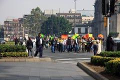 Ciudad de México, México - 24 de noviembre de 2015: Protesta política en el cuadrado de Zocalo, Ciudad de México Imágenes de archivo libres de regalías