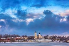 Ciudad de Mishkin, el río Volga en el invierno, recepción a Rusia imágenes de archivo libres de regalías