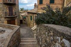 Ciudad de Montalcino en Toscana en Italia Foto de archivo libre de regalías