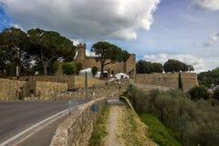 Ciudad de Montalcino en Toscana en Italia Fotografía de archivo