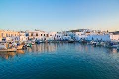 Ciudad de Naoussa, isla de Paros, Cícladas, egeas, Grecia imagen de archivo libre de regalías