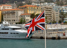 Ciudad de Niza, Francia - bandera británica en un puerto de Nice Fotos de archivo