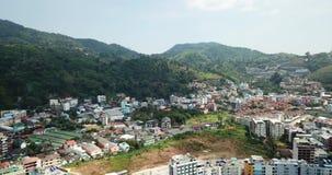 Ciudad de Patong en la playa Tiroteo del aire, del abej?n almacen de metraje de vídeo