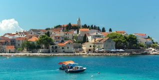 Ciudad de Primosten, Dalmacia, Croacia Fotos de archivo