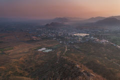 Ciudad de Puskhar en la salida del sol Imagen de archivo libre de regalías
