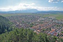 Ciudad de Rasnov vista de la fortaleza Fotografía de archivo libre de regalías