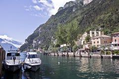 Ciudad de Riva del Garda Fotos de archivo libres de regalías