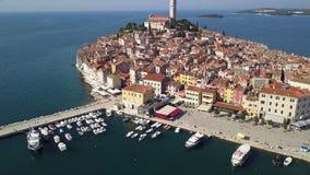 Ciudad de Rovinj Croacia del cielo almacen de video