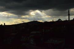 Ciudad de Sarajevo en la oscuridad Fotografía de archivo libre de regalías