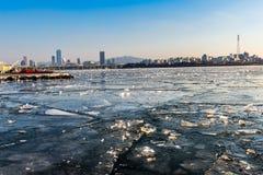 Ciudad de Seul y horizonte céntrico en Seul, Corea del Sur Foto de archivo