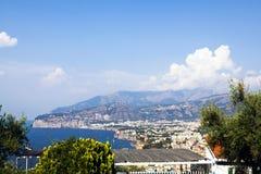 Ciudad de Sorrento y de Nápoles Fotografía de archivo