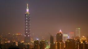 Ciudad de Taipei en la noche en Taiwán (3) Imagenes de archivo