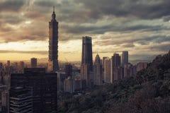 Ciudad de Taipei en la puesta del sol, Taiwán Imágenes de archivo libres de regalías