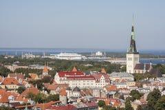 Ciudad de Tallinn, visión desde el hotel de Radisson Imagen de archivo