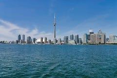Ciudad de Toronto y torre del NC foto de archivo